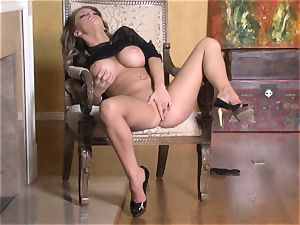 scorching Jenna Presley playing with her appetizing pinkish humid coochie until she jizzes