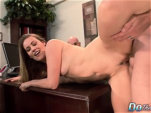 cheating wife Daisy Layne smashed by guy