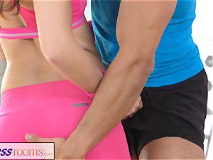 FitnessRooms Gym schoolteacher pulls down her yoga pants