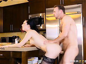 Aria Alexander pummels her spouses pal