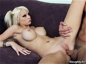 ultra-kinky blondie Rikki six chooses her sister's friends
