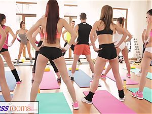 FitnessRooms amazing arses on show before lezzie honeys
