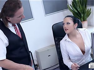 butts BUERO - super-sexy German mummy pokes boss at the office