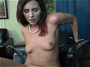 Stepmom gives the greatest head