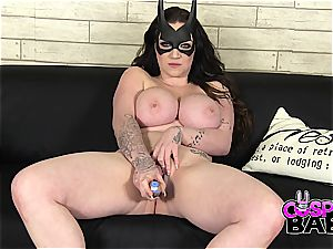 bootylicious batgirl plays with her tight rosy cootchie