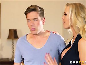 Rebecca More flashes Mia Malkova how to inhale knob