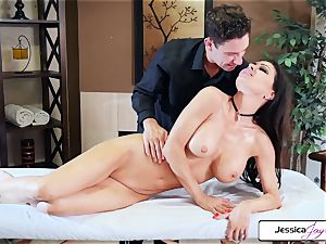 Jessica Jaymes takes Brad's large prick and gets romped