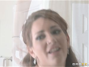 AJ Applegate gets a harsh girl/girl fuckin' from Savannah Fox