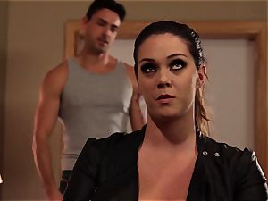 Alison Tyler makes her her man doesn't stray
