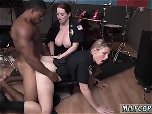motel housekeeper oral pleasure raw flick grips officer boinking a deadbeat dad.