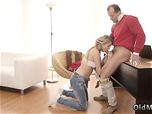 fledgling blondie douche Stranger in a hefty palace knows how to super-hot you up