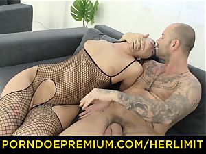 HER confine scorching babe Loren Minardi gets insatiable rock-hard rectal