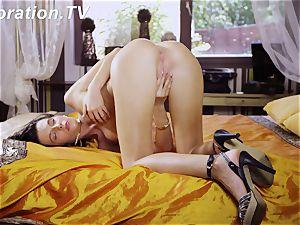super-steamy virgin Marlenka likes herself in the sofa