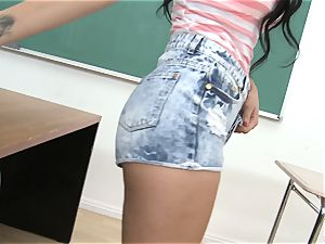 Mia Austin seduces her guy college girl in the classroom