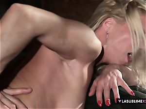 LASUBLIMEXXX big-boobed milf Lara de Santis has hump dream