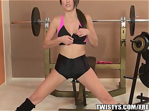 workout stunner Malena Morgan spunks
