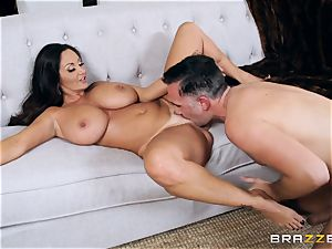 Ava Addams humped in the pussyhole with the immense schlong of Keiran