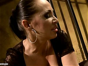 Mandy Bright makes a super-steamy babe eat a rigid dildo