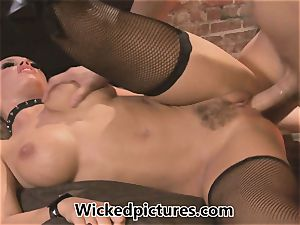 mistress Nicole Aniston manages her boy