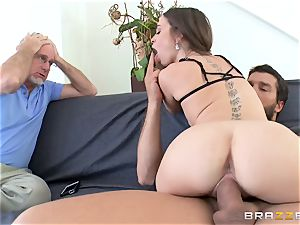 Mean wifey Riley Reid takes it deep in front of her husband