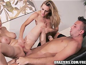 Brazzers - Julia Ann - dual Your delectation