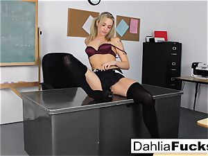 kinky college chick solo getting off