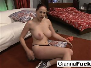 ginormous knocker repairwoman Gianna Michaels gets dicked down
