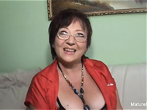 super-naughty mature keeps her tights on for fucking