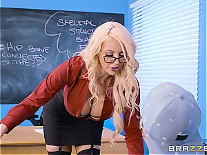 whorish lecturer Nicolette Shea shagged by a bad college girl