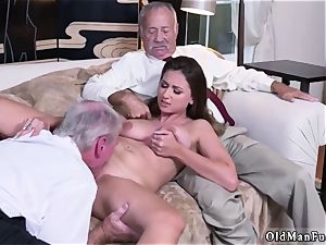 parent acquaintance s associate unexperienced gonzo Ivy impresses with her meaty boobies and bum