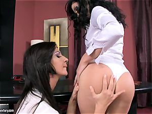 spectacular office mega-slut Bambi is getting laid for one steamy lesbian action