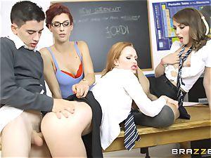 successful student Jordi gets into 3 super hot vaginas at college