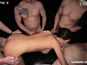 dark-haired hotty gets pounded by 5 cocksmen
