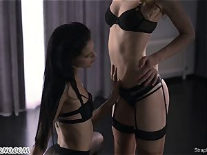 slim nymph with man meat humps her new nubile girlfriend