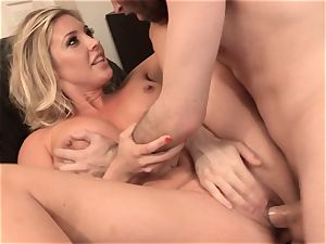 Samantha Saint pulverizes her sympathetic neighbor
