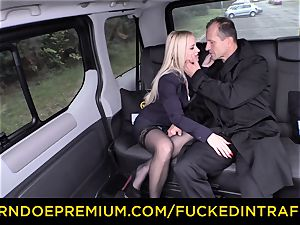 plumbed IN TRAFFIC - magnificent blond smashed in backseat