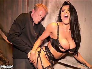Romi Rain - epic torrid first-timer porn in the street