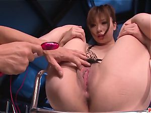 Serious plaything pornography sequences for extraordinaire Mami Yuuki