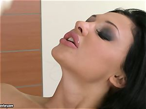 Aletta Ocean thumps her astounding thumbs deep in her jummy clean-shaven poon