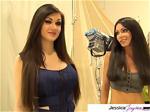 Jessica Jaymes and Kendall Karson deepthroat a huge sausage