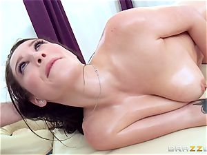 Noelle Easton gets blessed finishing rubdown