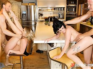 Mia Malkova and Olive Glass cootchie banged in the kitchen